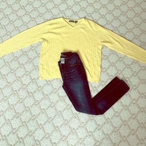 Relativity light yellow vneck sweater